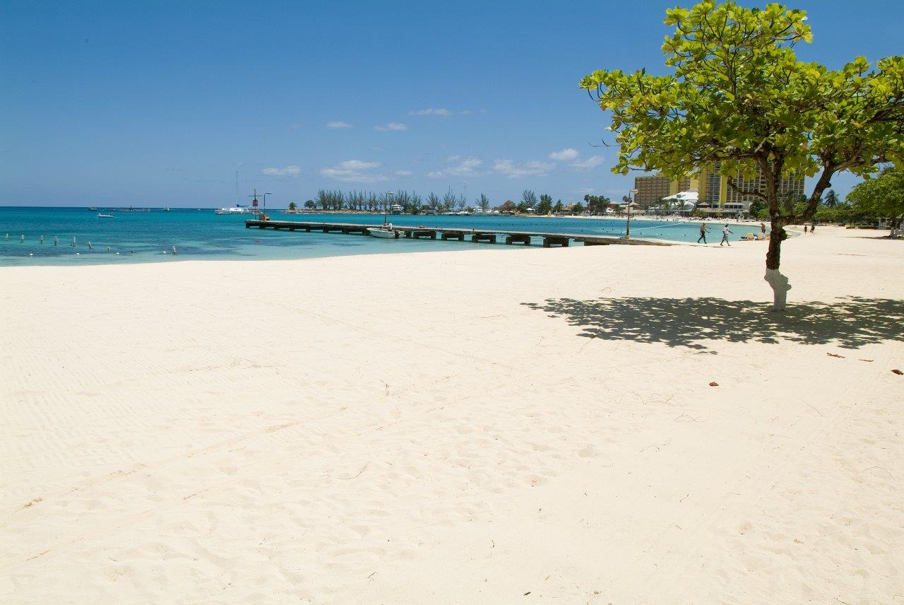 or_bc_ocho-rios-bay-beach05